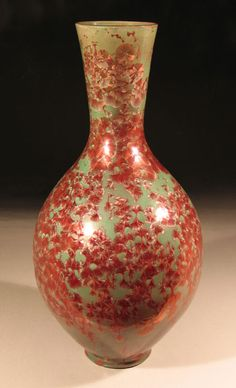 tallneck vase with reduced copper crystal glaze. By Bill Boyd Glazed Pottery, Glazes For Pottery, Glazed Ceramic, Ceramic Clay, Ceramic Pottery, Pottery Art, Ceramics Projects, Red Berries, Needful Things