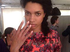 Barre noire Fashionweek ss15 nails