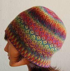 Mini Mochi Fair Isle Hat   <   Free patterns for hat & gloves   /   rav