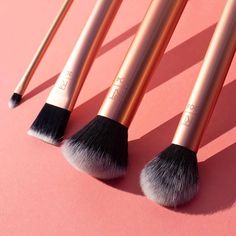 [New] The 10 Best Makeup Ideas Today (with Pictures) - Complexion perfection in no time with the Flawless Base Set . Makeup Tools, Makeup Brushes, Finding Vegan, Real Techniques, Cruelty Free Makeup, Makeup Inspiration, Makeup Ideas, Makeup Addict, Best Makeup Products