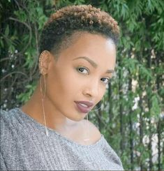 9 Capable Cool Tips: Older Women Hairstyles Over 70 funky hairstyles and colours.Black Women Hairstyles Up Dos older women hairstyles over Hairstyle How To Do. Short Natural Haircuts, Tapered Natural Hair, New Natural Hairstyles, Asymmetrical Hairstyles, Black Women Short Hairstyles, Funky Hairstyles, Short Hair Cuts, Braided Hairstyles, Wedge Hairstyles