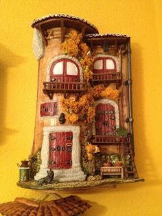 MANUALIDADES LA ANDALUZA: TEJAS Clay Houses, Putz Houses, Miniature Rooms, Miniature Houses, Bottle Art, Bottle Crafts, Fairy Garden Houses, Garden Art, Diy And Crafts