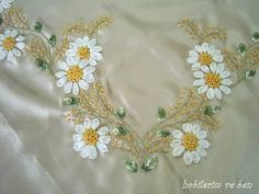 Ribbon Embroidery Flowers by Hand - Embroidery Patterns Embroidery Neck Designs, Silk Ribbon Embroidery, Hand Embroidery Patterns, Embroidery Stitches, Ribbon Work, Ribbon Crafts, Creative Crafts, Elsa, Needlecrafts