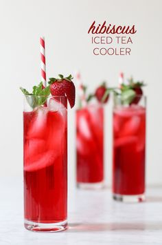 Hibiscus Iced Tea Cooler cocktail recipe from - If you prefer a mocktail, just leave out the vodka and you're good to go. It's still beautiful, and so tasty. Non Alcoholic Drinks, Cocktail Drinks, Cocktail Recipes, Iced Tea Cocktails, Summer Drinks, Fun Drinks, Beverages, Healthy Drinks, Hibiscus Tea