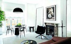 A Terrace apartment in Black & White by Pamela Makin Interior Design Blogs, Black Love, Black White, Mcm House, Black And White Interior, Vogue Living, White Rooms, Home And Living, Living Rooms
