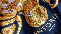 Hedvábné šátky od Antorini.cz! Připravili jsme pro vás kolekci luxusních hedvábných šátků s ručně šitými okraji, které pro vás vyrábíme z nejjemnějšího italského hedvábí mimořádné kvality ve městě Como v Itálii. Hedvábné šátky dodáváme v dárkovém balení. Napkin Rings, Accessories, Collection, Italy, Napkin Holders, Ornament