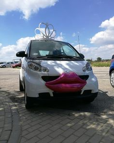 #SmartPara w Kaliszu :) www.smart-line.pl #zwariowanewesela #smartydoslubu #smartcar #autodoslubu #samochodnawesele #atrakcjeweselne #wedding #weddingcar #funycar #smartcars Crazy Wedding, Wedding Car, Smart Car, Bmw, Funny, Funny Parenting, Hilarious, Fun, Humor