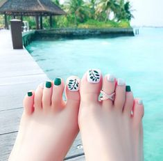 Want some ideas on spring toe nails design? Then check out these beautiful toe nails design ideas. Feet Nail Design, Toe Nail Designs, Nails Design, Pedicure Designs, Acrylic Toe Nails, Toe Nail Art, Pedicure Nail Art, Mani Pedi, Manicure