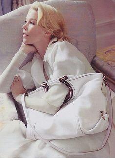 Claudia Schiffer for Salvatore Ferragamo | Flickr: Intercambio de fotos