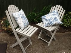 Painted a couple of old garden chairs today. Teamed with my vintage French fabric cushions, they have a new lease of life. The wood stain is Cuprinol Natural Stone.