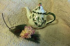 Items similar to Sage Green and Rose Holly Teapot Hand Painted Ceramic Vintage Tea Brewer Steeper Christmas Dining Kitchen Decor Pink Light Green Handmade on Etsy Christmas Gifts 2016, Creative Christmas Gifts, Christmas Holidays, Christmas Ideas, Vintage Tea, Etsy Vintage, Ceramic Teapots, Team Gifts, Hand Painted Ceramics