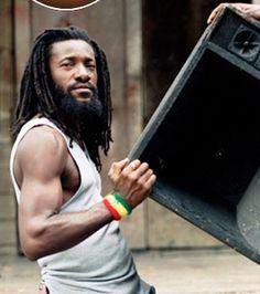 Dread Ova Babylon - Junior Kelly (Reggae Artist)