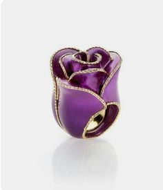 Bouquet ring by Caoro. Purple Jewelry, Rose Jewelry, Jewelry Art, Jewelry Rings, Unique Jewelry, Jewelry Accessories, Jewelry Design, Purple Pages, Unusual Rings