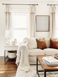 Cozy Fall Living Room Home Tour. Sharing how adding Fall colors to your space to can take you from bright and sunny summer to warm and cozy Fall. Living Room Decor Pieces, Fall Living Room, Living Room Decor Cozy, Living Room Colors, Home And Living, Living Room Designs, Cozy Living Room Warm, Living Room Inspiration, Home Decor Inspiration