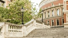 PRIVATE & CUSTOM TOURS IN LONDON
