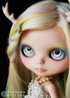 <3 beautiful custom Blythe
