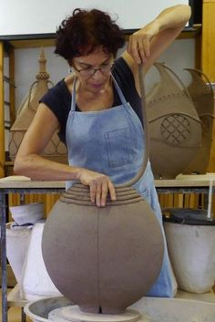 Avital Sheffer is a ceramicist working on the coast of New South Wales, Australia, who creates anthropomorphic and architectural earthenware vessels which engage with the multi-faceted nature of Middle Eastern cultures, history and design. Earthenware Clay, Ceramic Clay, Ceramic Pottery, Pottery Art, Coiled Pottery, Ceramic Techniques, Pottery Techniques, Keramik Design, Pottery Handbuilding