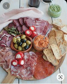 Whole Foods, Whole Food Recipes, Plateau Charcuterie, Party Food Platters, Antipasto Platter, Good Food, Yummy Food, Snacks Für Party, Savory Snacks