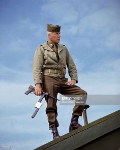 Lee Marvin in The Dirty Dozen - Maj. Reisman's character was cast for John Wayne at first, and accepted, but The Duke left to film The Green Berets when script changes he wanted were not made. Hollywood Actor, Hollywood Stars, Classic Hollywood, Old Movies, Great Movies, Lee Marvin, The Blues Brothers, Films Cinema, War Film