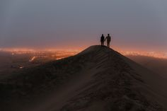 Huacachina (Peru) Hiking up a dune in the middle of the night to get this money shot at sunrise - Oh YES! Huacachina Peru, Money Shot, Landscape Photos, Dune, Storytelling, Mount Everest, Sunrise, Hiking, Mountains