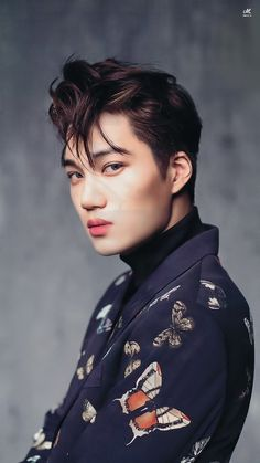 Find images and videos about kpop, exo and baekhyun on We Heart It - the app to get lost in what you love. Sehun, Kpop Exo, Exo Kai, Park Chanyeol, Hot Korean Guys, Korean Men, Korean Actors, Taemin, Bts Shirt