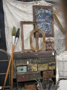 Doolally - where antiques meet mixed media: More Antiquing Road Trips.....Indiana to Tennessee, love the giant paint brushes.