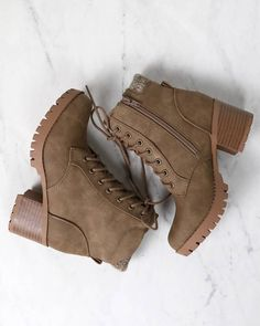 Women Boots Military Boots For Sale Mens Chukka Boots Outfit Knee High Boots For Thick Legs Boots Styles For 2019 Combat Boots Heels, Heeled Boots, Shoe Boots, Women's Shoes, Cute Combat Boots, Shoes Sneakers, Boot Heels, Calf Boots, Shoes Men