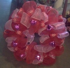VALENTINE MESH WREATH  Dad's Flowers and Gifts 256-254-9464