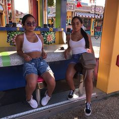 Stunning 35 Impressive Siangie Twins Outfits Ideas For You And Your Twin Twin Outfits, Teenager Outfits, Outfits For Teens, Trendy Outfits, Summer Outfits, Cute Outfits, Matching Outfits Best Friend, Best Friend Outfits, Black Girl Fashion
