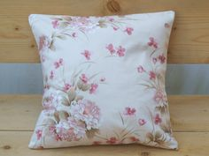 Pillow floral pink cotton cover di BiancospinoPillowsCo su Etsy