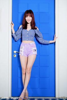 GFriend - Yuju feet r/kpopfeets Gfriend Album, Gfriend Yuju, Kpop Girl Groups, Korean Girl Groups, Kpop Girls, Extended Play, Ulzzang, Entertainment, My Wife Is