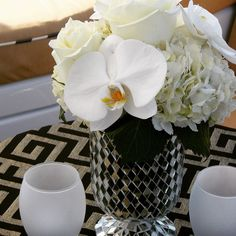 #c2mdesigns #floral #floraldesign #centerpiece #cocktail #white #goldandblack #mosaic #hydrangea #phalenopsis #orchids #roses #elegance #formal #style #artdeco #greatgatsby #luxury #yacht #yachtlife #eventdecor #corporateevent #charter #boston #bostonharbor #nxtevent #designsthatrock #likeC2MdesignsFacebook Designer: #christinemccaffery