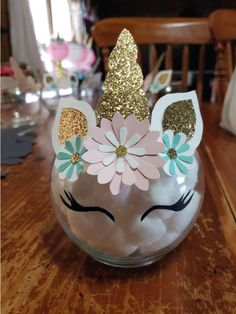 Los más lindos centros de mesa de Unicornios | Tarjetas Imprimibles Party Unicorn, Unicorn Themed Birthday Party, Unicorn Baby Shower, First Birthday Parties, Birthday Party Themes, First Birthdays, Unicorn Decor, 5th Birthday, Birthday Ideas