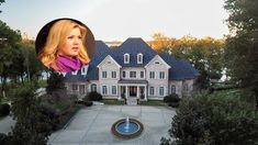 The Kelly Clarkson House in Tennessee is stunningly beautiful.See the large kitchen, windows galore, saltwater pool, it's one of the best Celebrity Homes. Double Islands, Sand Volleyball Court, Library Ladder, Tall Windows, Storybook Cottage, Unusual Homes, Farmhouse Sink Kitchen, Kelly Clarkson, Celebrity Houses
