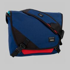 The Skivvy from @crumpler. Great small messenger bag for my mobile office. Hugely Recommended!!