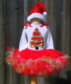 pictures of xmas tutu for babies Christmas Tutu, Christmas Ribbon, Very Merry Christmas, Christmas Holidays, Christmas Ideas, Tutu Outfits, Girl Outfits, Western Babies, How To Make Tutu