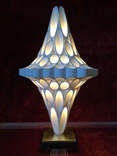 Cool Lamps Of The Most Creative Lamp Designs Ever - HomyBuzz Light Art, Lamp Light, Light Bulb, Modern Lighting, Lighting Design, Lighting Ideas, Blitz Design, Lampe 3d, Corner Lamp