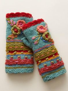 Women Fingerless Gloves Winter Floral Arm Gloves with Thumb Hole – Irisruby Knitted Gloves, Fingerless Gloves, Gants Vintage, Vintage Gloves, Vintage Boots, Tribal Patterns, Arm Warmers, Mittens, Knitting Patterns