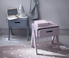 Stunning pastel side tables #sidetabledesign colorful design #redsidetables modern living room #livingroomdesign decorating ideas. Find more inspirations at www.coffeeandsidetables.com