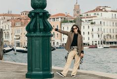 "MANGO's new Violeta by MANGO Venice Diaries ""unique trips to Venice"" #AW16 editorial feat. Charlotte Jones #WeAreVioleta plus size fashion #curvywomen Look-006"