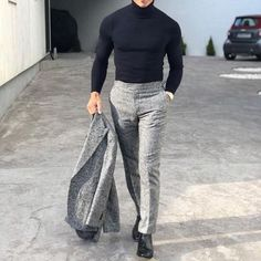 Easy yet sophisticated tips for you to make the best of all your suits. Mode Masculine, Mens Fashion Suits, Mens Suits, Ropa Semi Formal, Professional Outfits, Gentleman Style, Streetwear, Casual Outfits, Menswear