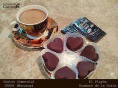 La @tiendadelcacao con sus deliciosos chocolates está en el IPSFA Maracay al lado del Supermercado.  #FelizLunes Mientras piensas que regalarle a tu pareja el Día de los Enamorados tómate un chocolate caliente con unas trufas y una barra de bitter. O mejor pides las trufas para llevarselas a ella(él)... Síguelos:  @tiendadelcacao @tiendadelcacao @tiendadelcacao  #publicidad @publiciudadmcy.  #tiendadelcacao #chocolate #chocolatecaliente #brownie #trufas #galletas #antojos #merienda #desayuno…
