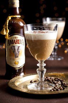 Kikker jou koffie op met Amarula Amarula het vanjaar 'n goue medalje by die International Wine & Spirit Competition (IWSC) in Londen verower. Gebruik dié bekroonde drankie in jou volgende koppie koffie. Baileys Irish Cream Coffee, Bourbon, Coffee With Alcohol, B Recipe, Easy Cocktails, Cocktail Drinks, South African Recipes, Smoothie Drinks, Smoothies