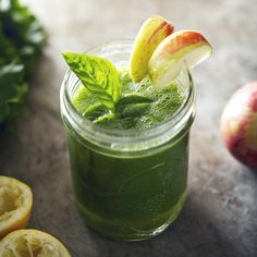 Mighty Green Smoothie | picklesnhoney.com