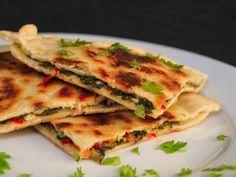 Mediterrán serpenyős lepény | Kertkonyha - Vegetáriánus receptek képekkel