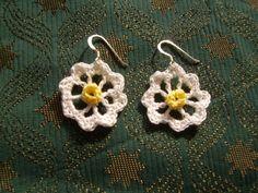 <p>Daisy Daisy Free Crochet Earrings Pattern</p>
