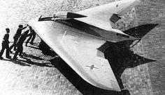 A look at the oddest aircraft of the Luftwaffe. Horten Ho 229, Ww2 Aircraft, Fighter Aircraft, Military Aircraft, Fighter Jets, Luftwaffe, Flying Wing, Experimental Aircraft, Ww2 Planes