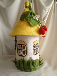 fairy or gnome home needle felt art Felt Crafts, Fabric Crafts, Diy And Crafts, Crafts For Kids, Wet Felting, Needle Felting, Felt Christmas, Christmas Crafts, Christmas Houses