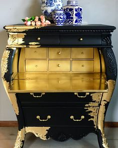 This type of walnut bedroom furniture is an extremely inspirational and first-rate idea - Meubles de Bricolage Gold Leaf Furniture, Walnut Bedroom Furniture, Hand Painted Furniture, Funky Furniture, Refurbished Furniture, Paint Furniture, Repurposed Furniture, Cheap Furniture, Furniture Projects