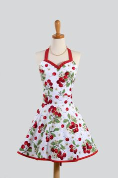 Retro inspired Apron, love this style! Retro Apron, Aprons Vintage, Cute Aprons, Sewing Aprons, Apron Designs, Creation Couture, Vintage Fashion, Diy Fashion, Cute Outfits
